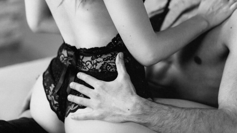 Cosa devi sapere se vuoi fare sesso con una donna matura